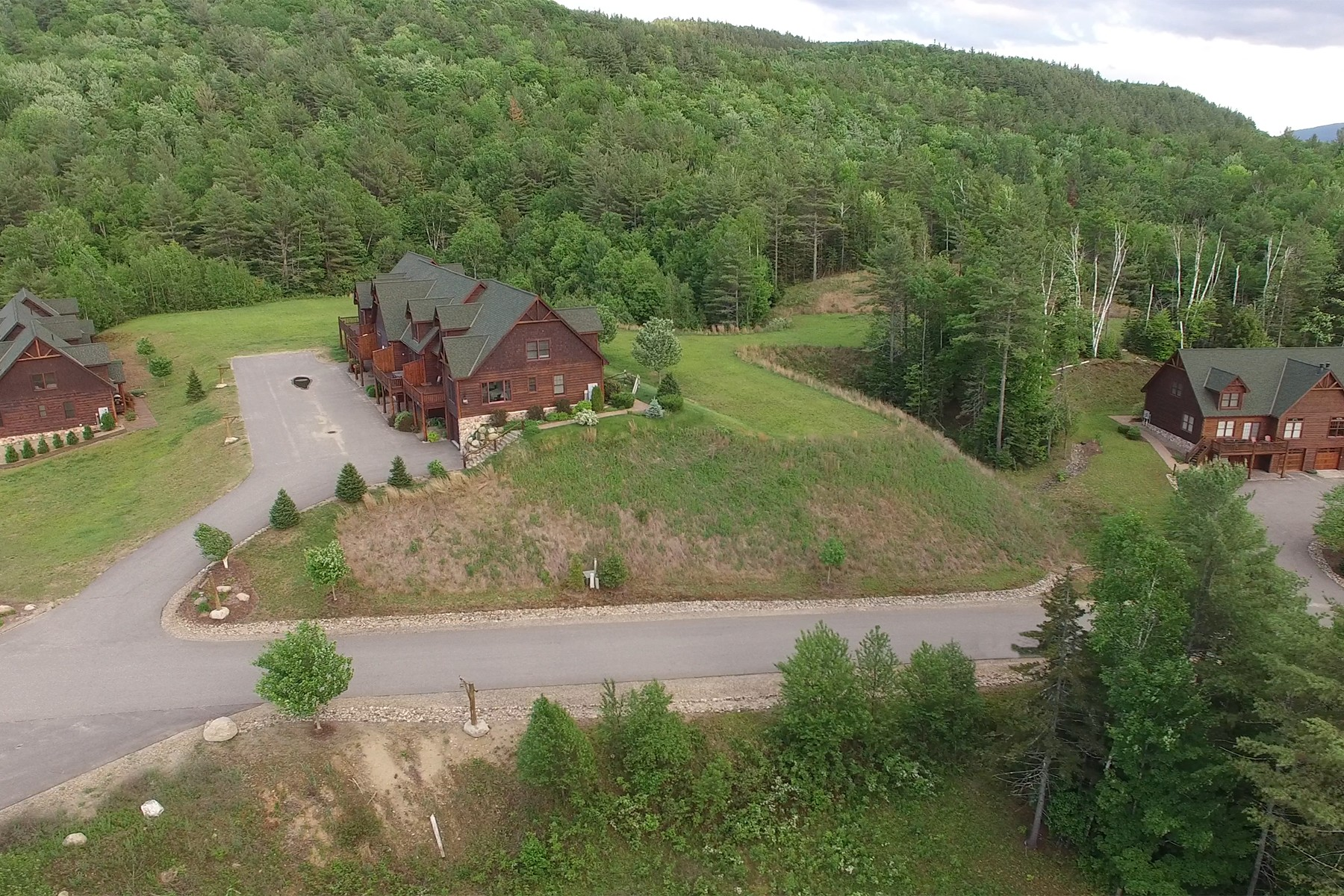 Single Family Home for Sale at Top Ridge in North Creek 16 Bear Club Drive Johnsburg, New York 12853 United States