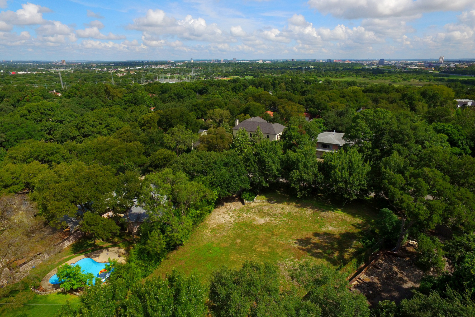 Additional photo for property listing at Premier Lot in Olmos Park 212 E Wildwood Dr San Antonio, Texas 78212 United States