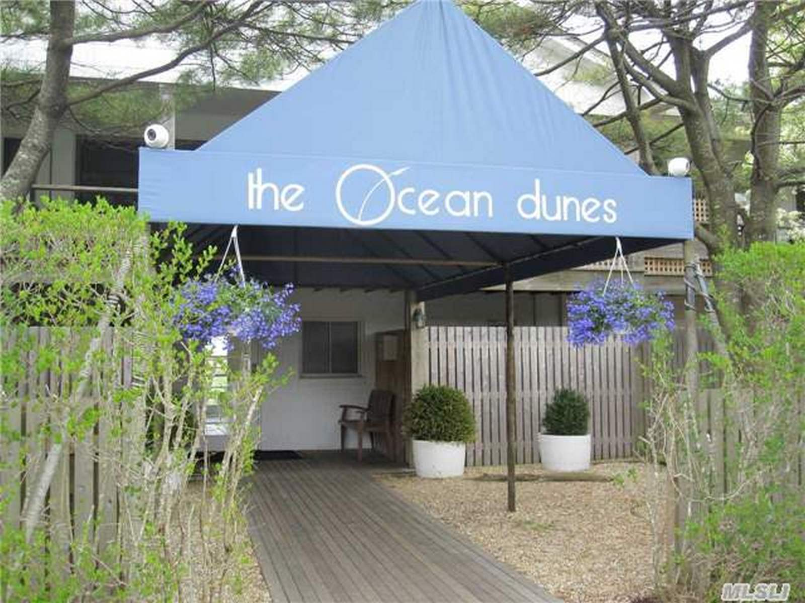 Appartement pour l Vente à Co-Op 379 Bluff Rd Amagansett, New York, 11930 États-Unis