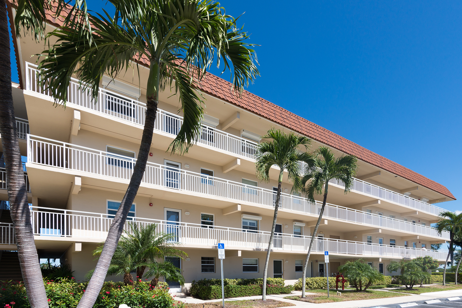 Condominium for Sale at MARCO ISLAND - VILLE DE MARCO 1200 Edington Pl 103 Marco Island, Florida 34145 United States