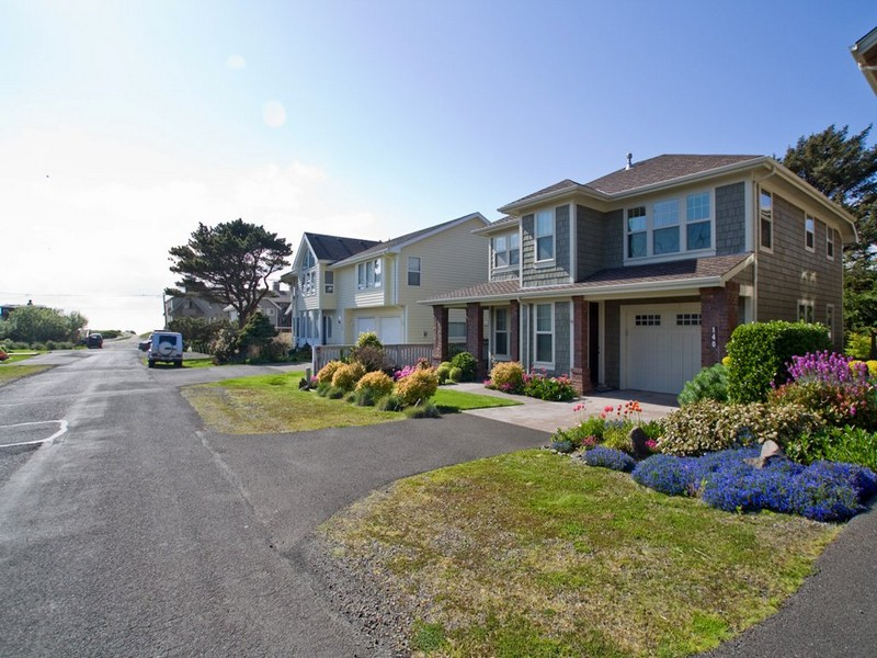 Property Of Beautiful Turn Key Cannon Beach Home