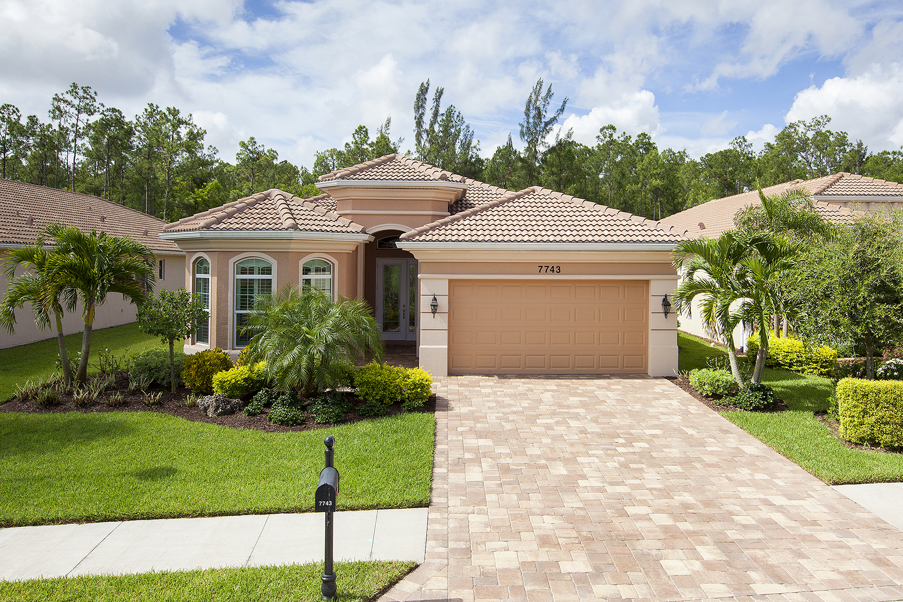 Single Family Home for Sale at Naples 7743 Martino Cir Naples, Florida, 34112 United States