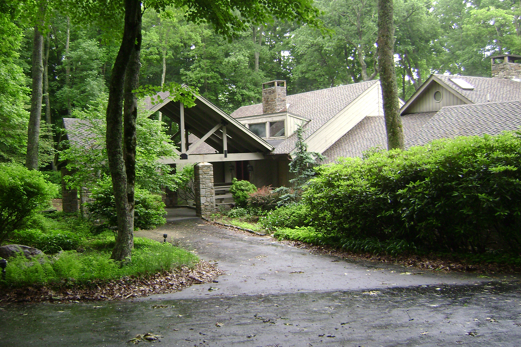Single Family Home for Sale at LINVILLE - LINVILLE RIDGE 206 Dam Trail 2, Linville, North Carolina 28646 United States