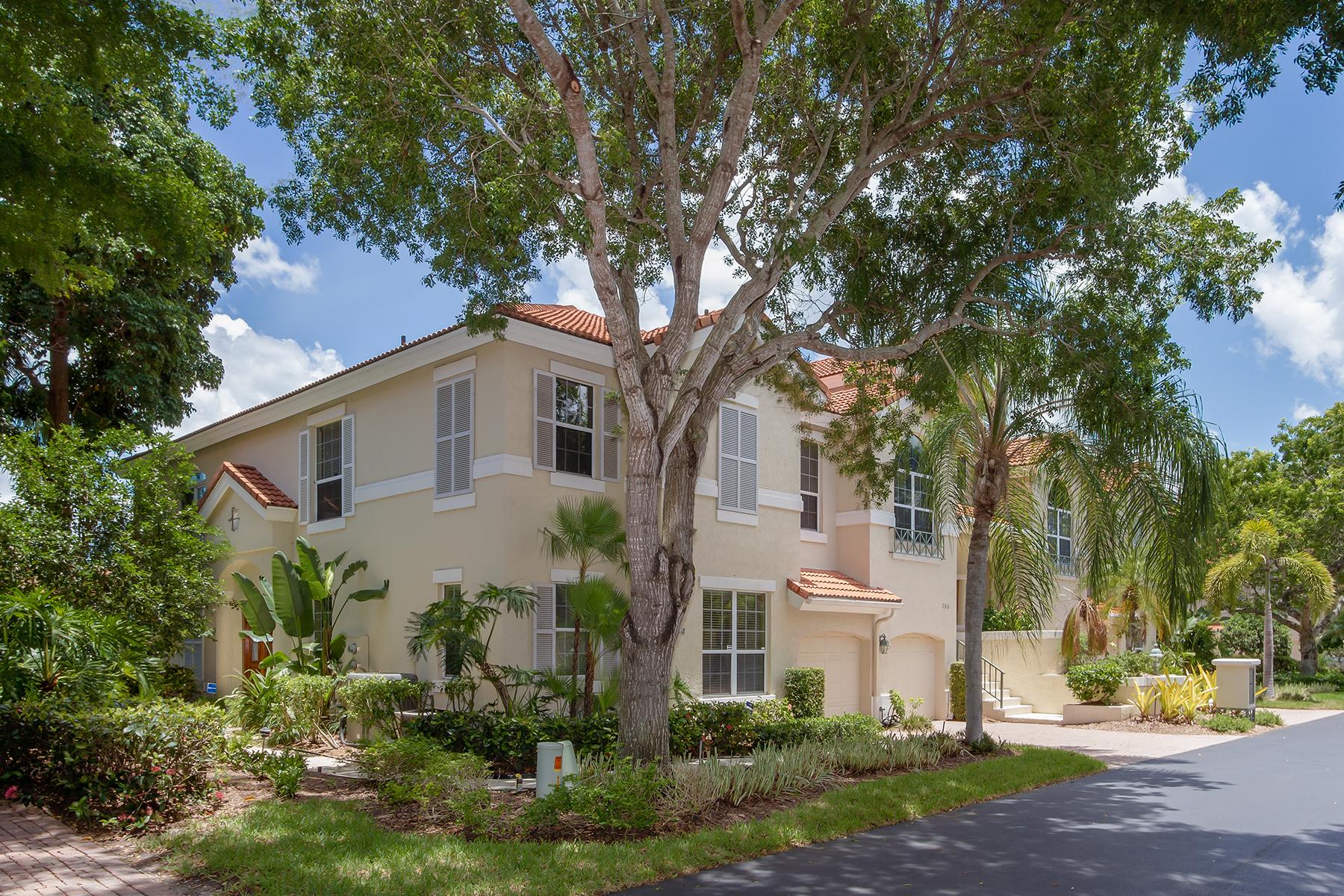 Condominio por un Venta en COLONADE- PARK SHORE 184 Colonade Cir 1601 Naples, Florida, 34103 Estados Unidos