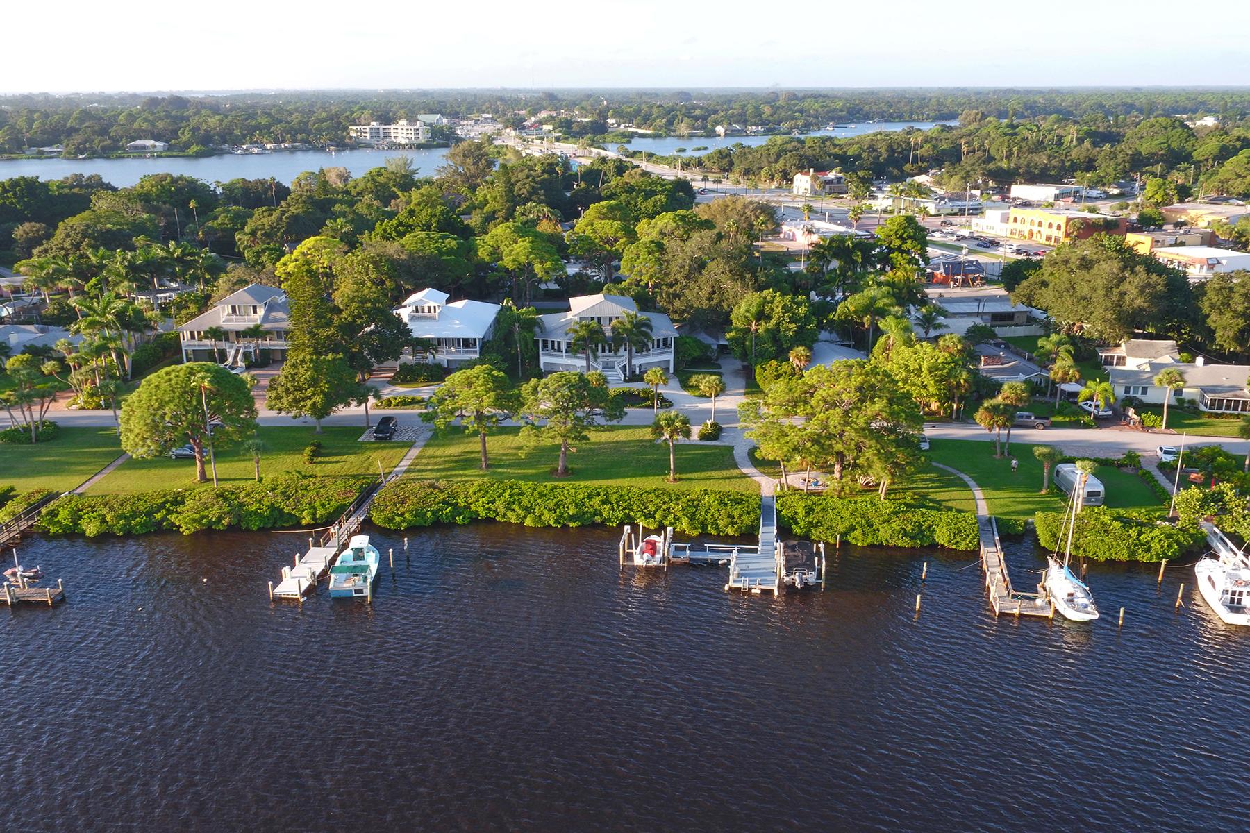 Casa Unifamiliar por un Venta en NOKOMIS 200 Sunrise Dr Nokomis, Florida, 34275 Estados Unidos