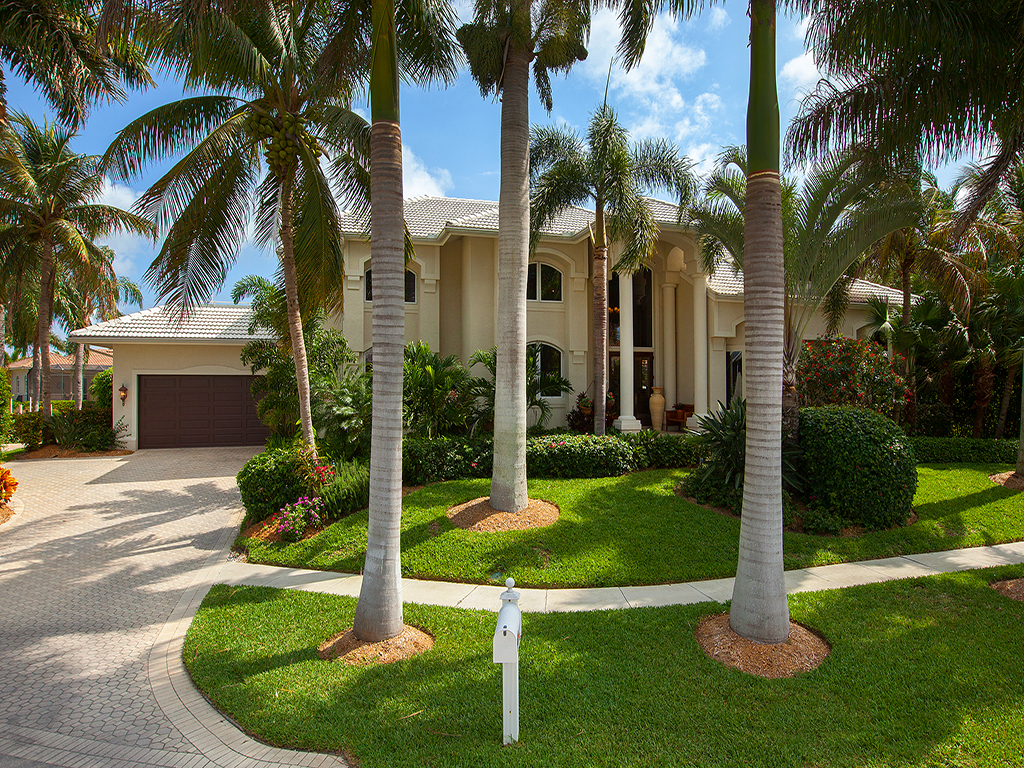 Single Family Home for Sale at MARCO ISLAND - HULL COURT 730 Hull Ct Marco Island, Florida 34145 United States