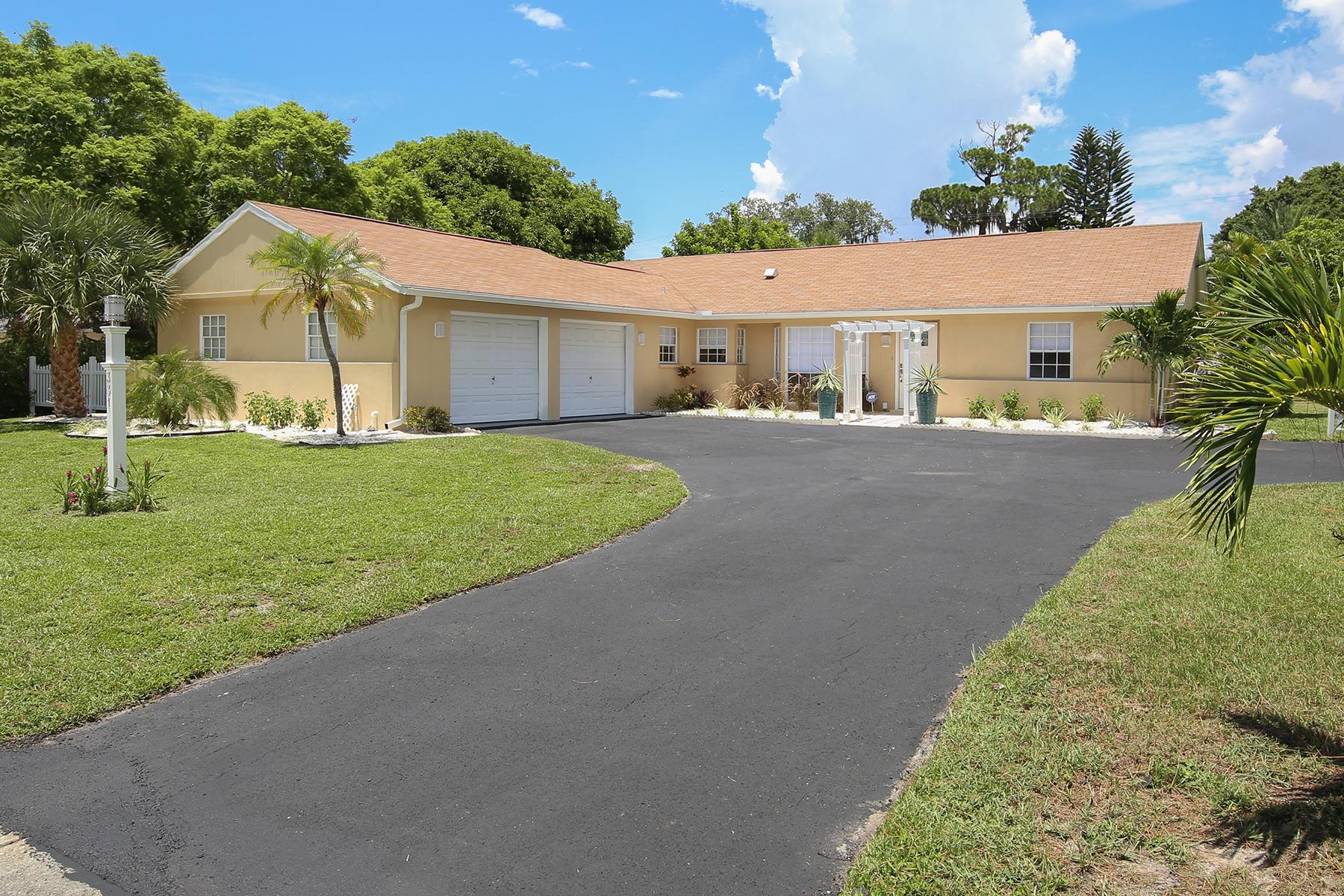 단독 가정 주택 용 매매 에 WHITFIELD ESTATES 331 Scott Ave Sarasota, 플로리다, 34243 미국