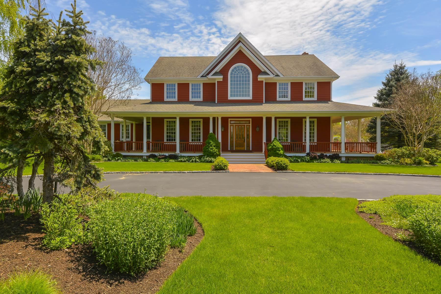Nhà ở một gia đình vì Bán tại Traditional 6030 Youngs Ave Southold, New York, 11971 Hoa Kỳ