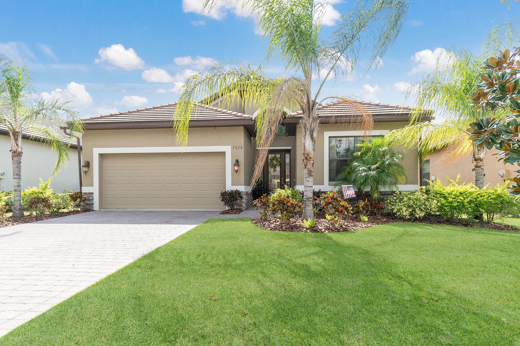 独户住宅 为 销售 在 RIVA TRACE 7618 Rio Bella Pl University Park, 佛罗里达州, 34201 美国