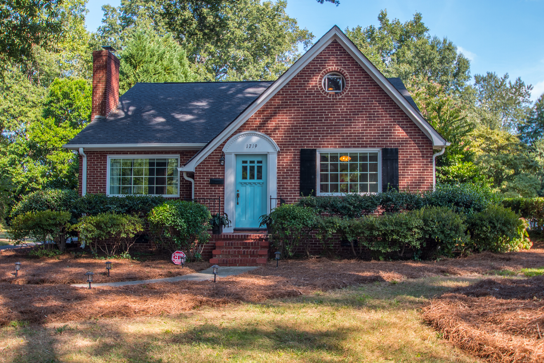 Single Family Home for Sale at 1719 Dilworth Rd E, Charlotte, NC 28203 1719 Dilworth Rd E Charlotte, North Carolina, 28203 United States