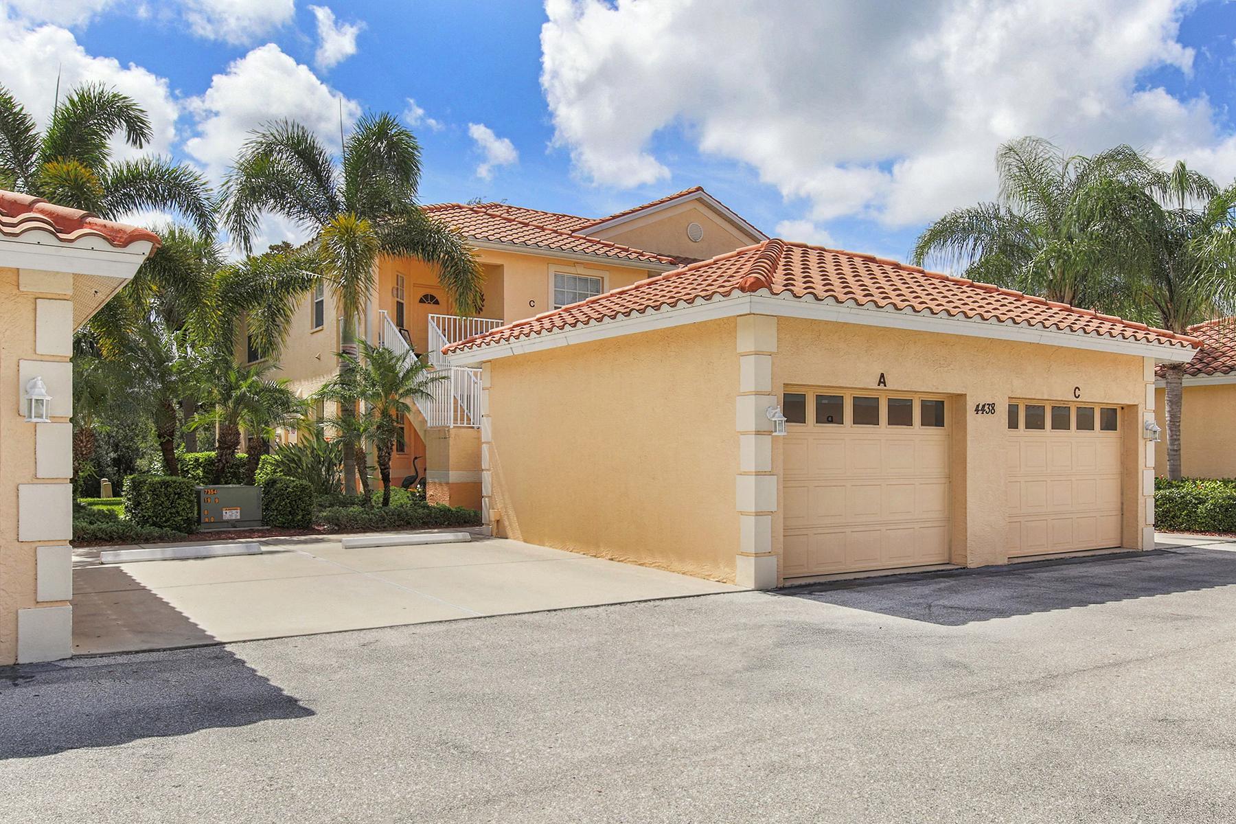Condominio por un Venta en VENETIA 4438 Corso Venetia Blvd A13 Venice, Florida, 34293 Estados Unidos