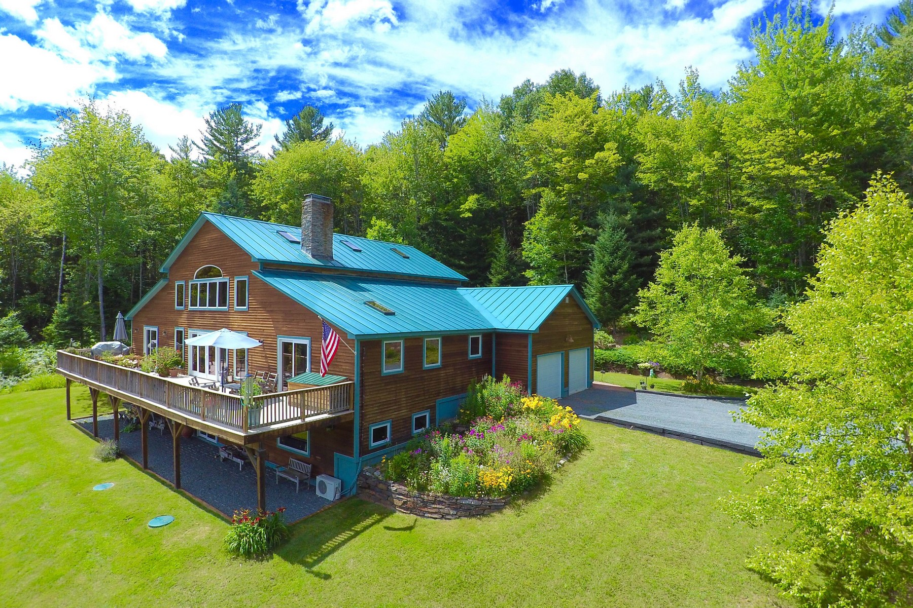 Villa per Vendita alle ore Clouds and Sunshine 1865 Shadow Lake Rd Waterford, Vermont, 05819 Stati Uniti