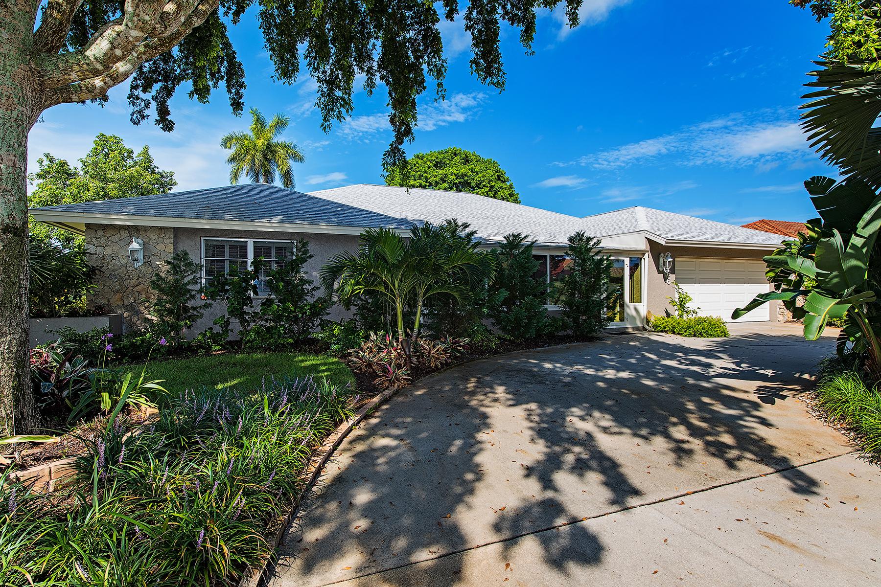 Nhà ở một gia đình vì Bán tại TORREY PINES 166 Torrey Pines Pt Naples, Florida, 34113 Hoa Kỳ
