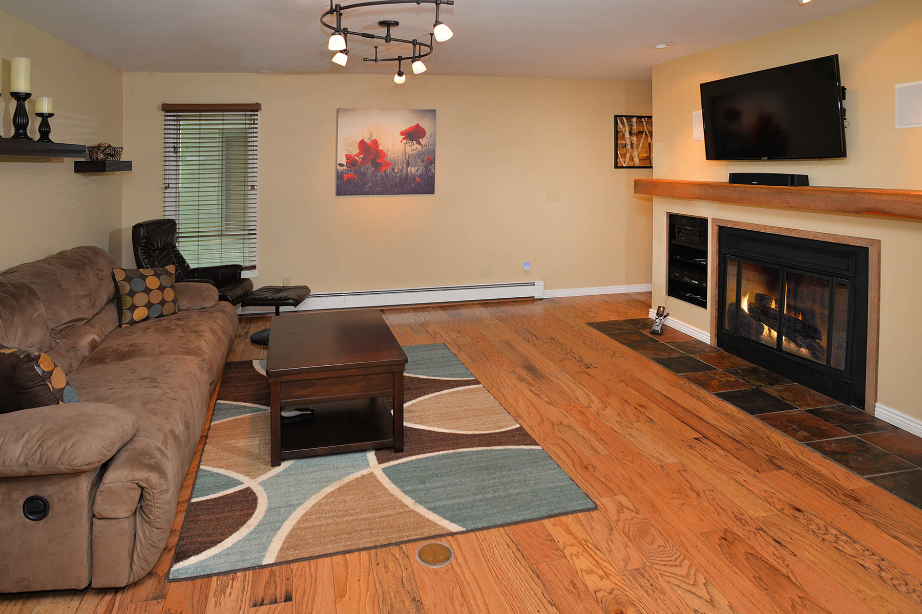 Property For Sale at Immaculate 2 Bedroom Condo in EagleVail