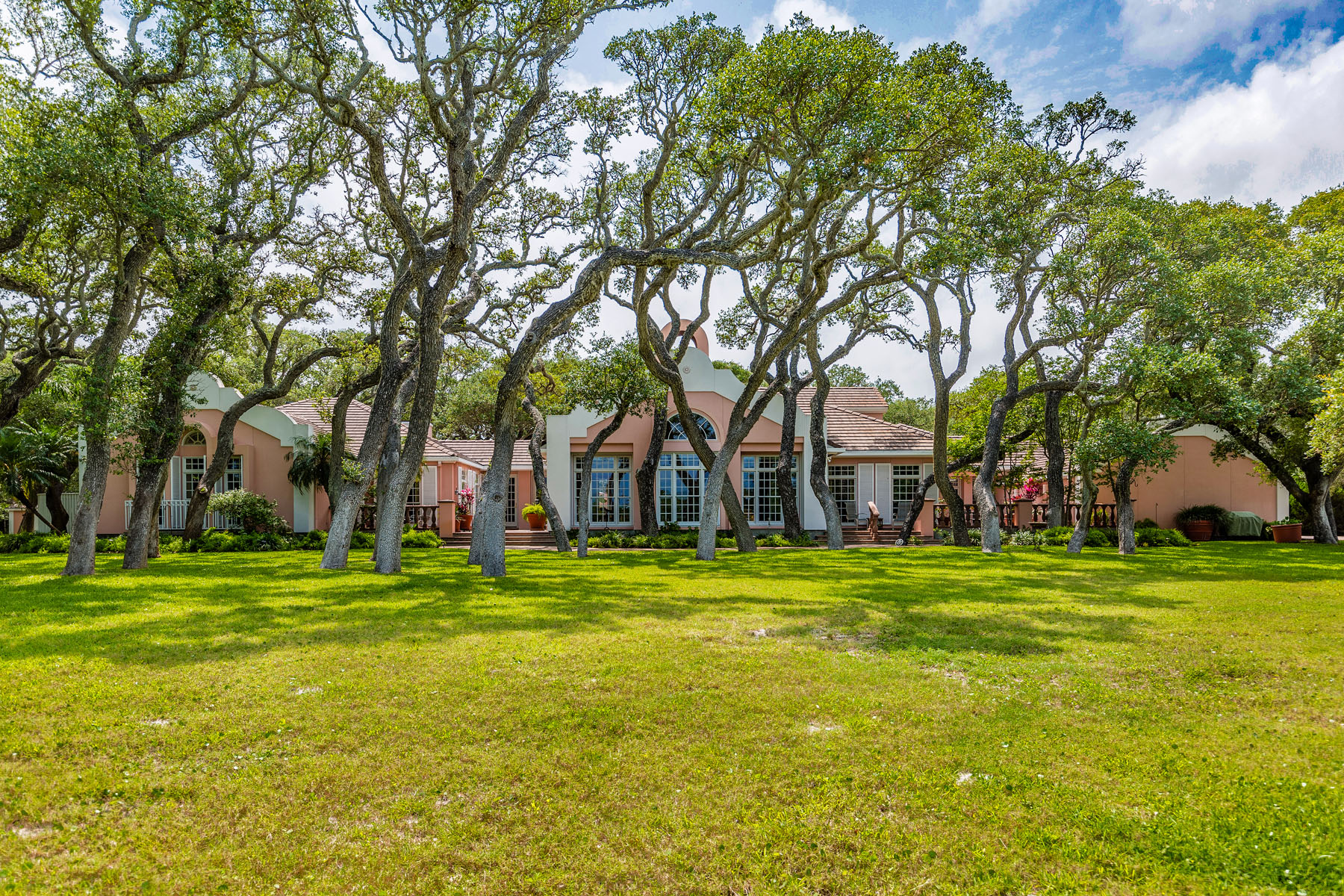 Single Family Home for Sale at Villa Maria Estate 2114 Lakeview Dr Rockport, Texas 78382 United States