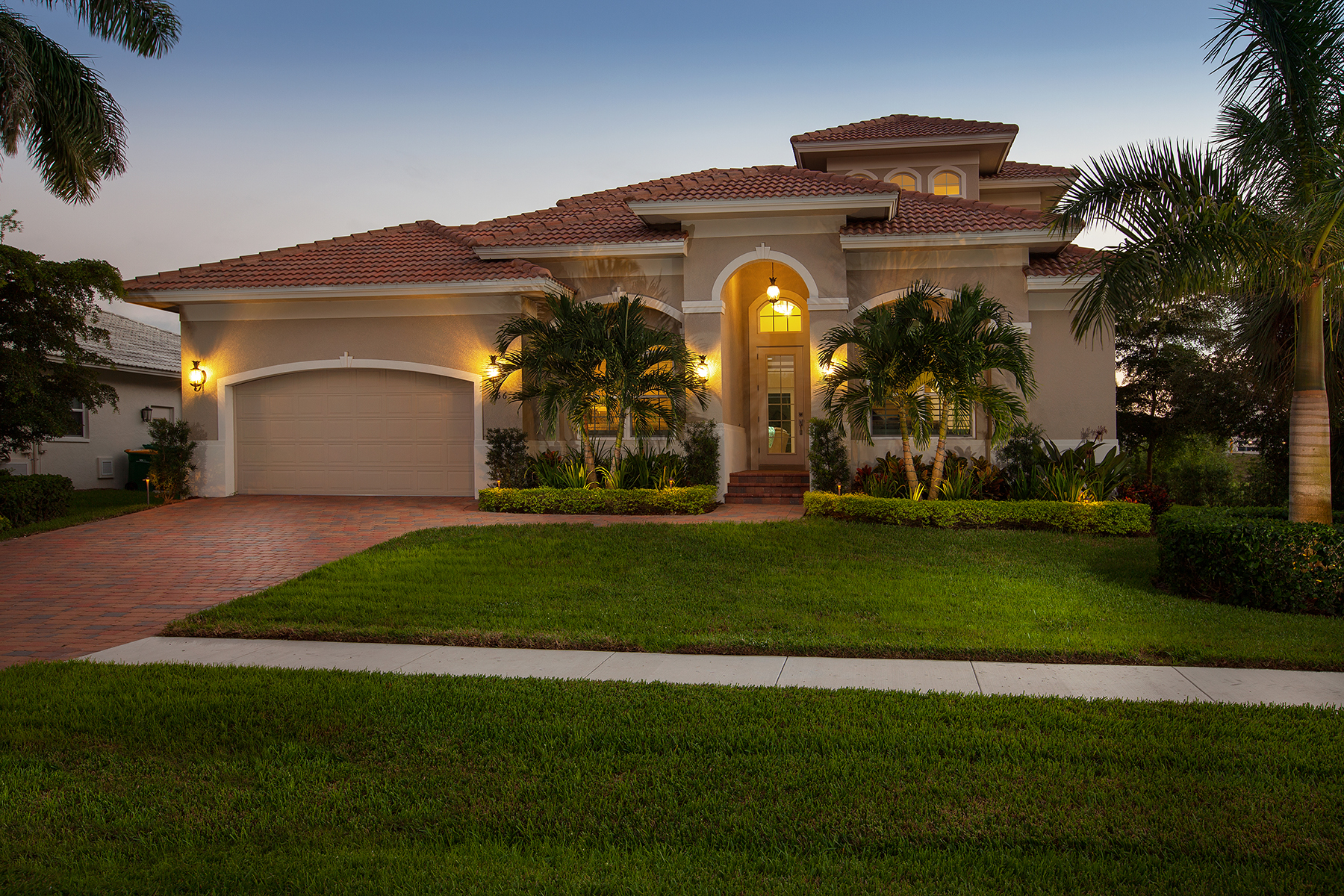 Single Family Home for Sale at MARCO ISLAND - DIPLOMAT COURT 566 Diplomat Ct Marco Island, Florida, 34145 United States