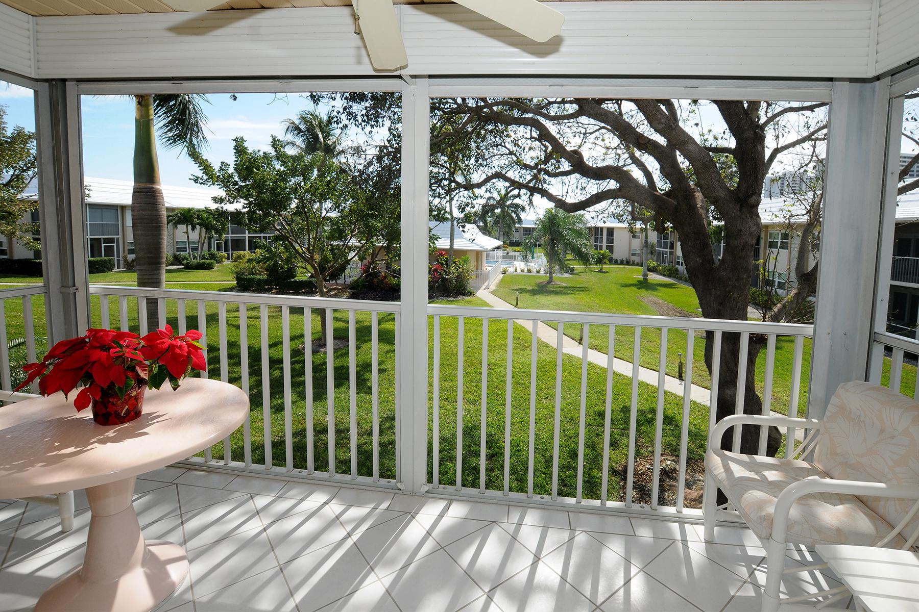 Condomínio para Venda às MARCO ISLAND - BEACHVIEW 189 S Collier Blvd C-204 Marco Island, Florida 34145 Estados Unidos