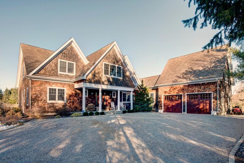 단독 가정 주택 용 매매 에 Traditional 13565 Main Bayview Rd Southold, 뉴욕, 11971 미국