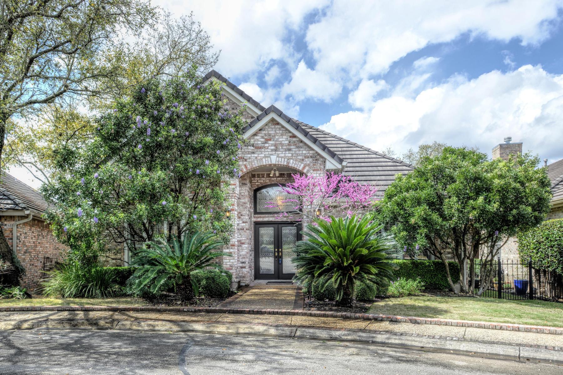 Single Family Home for Sale at Stunning Dominion Garden Home 4 Hendon Ln San Antonio, Texas 78257 United States