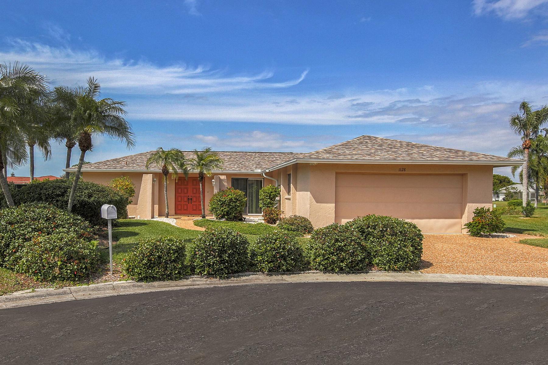 Einfamilienhaus für Verkauf beim JACARANDA WEST 1128 Shane Ct Venice, Florida, 34293 Vereinigte Staaten