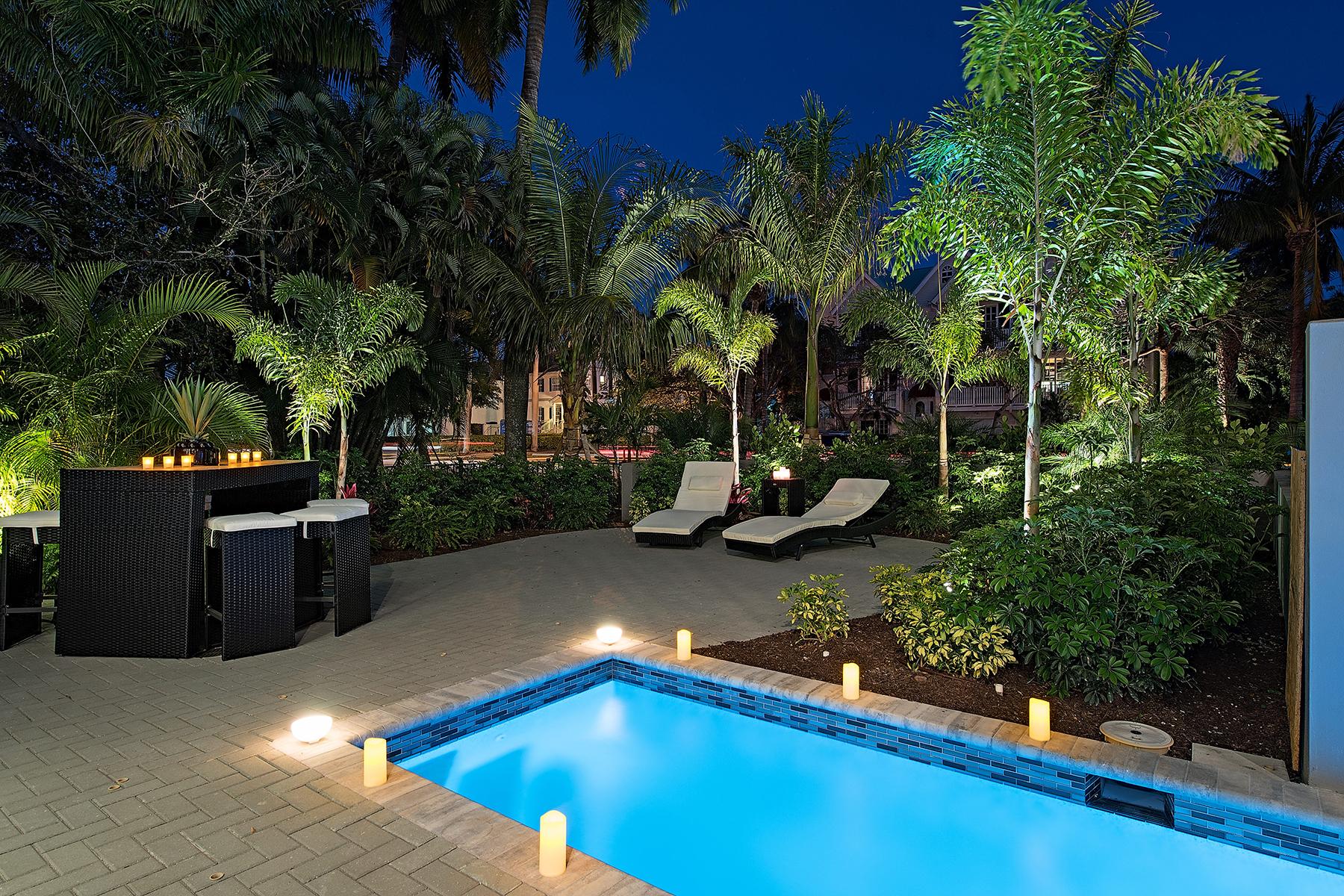 共管式独立产权公寓 为 销售 在 OLD NAPLES - ESMERALDA ON EIGHTH 985 8th Ave S 202 那不勒斯, 佛罗里达州, 34102 美国