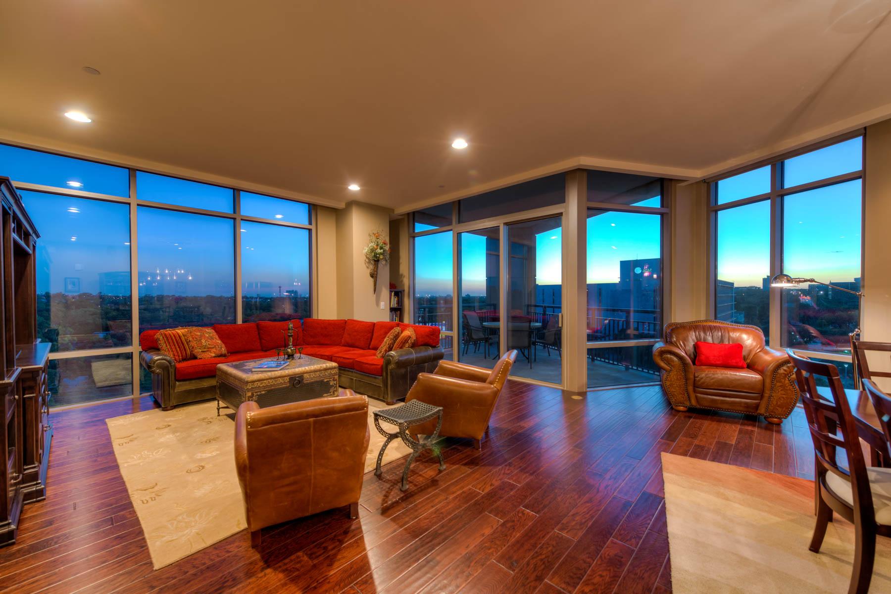 共管式独立产权公寓 为 销售 在 Live in Luxury at The Broadway 4242 Broadway St 603 San Antonio, 得克萨斯州 78209 美国