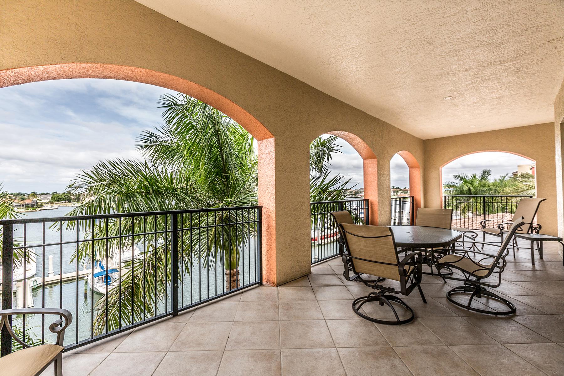 Nhà chung cư vì Bán tại MARCO ISLAND - ESPLANDE II 740 N Collier Blvd 2-305 Marco Island, Florida, 34145 Hoa Kỳ