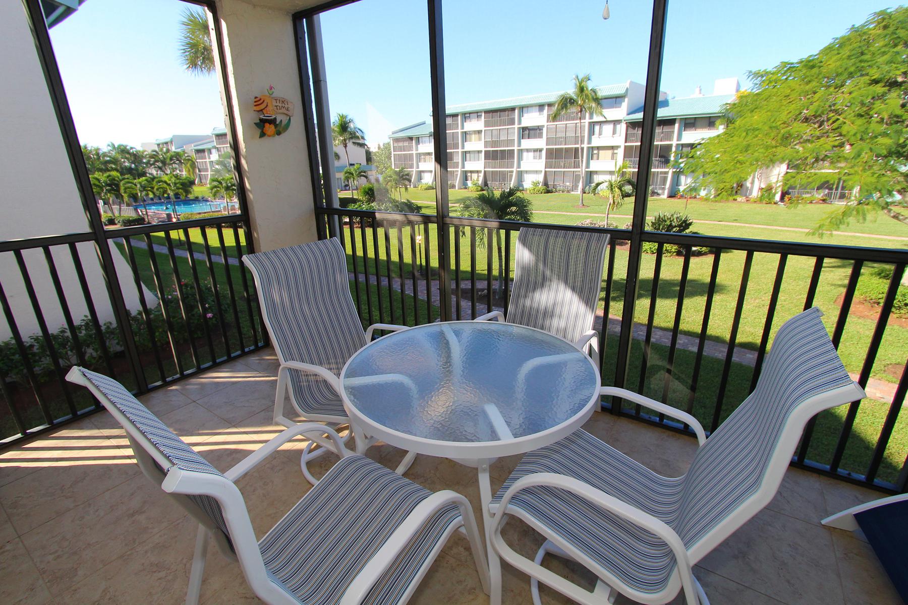 共管式独立产权公寓 为 销售 在 SANBEL 979 E Gulf Dr D402 撒你贝尔, 佛罗里达州, 33957 美国