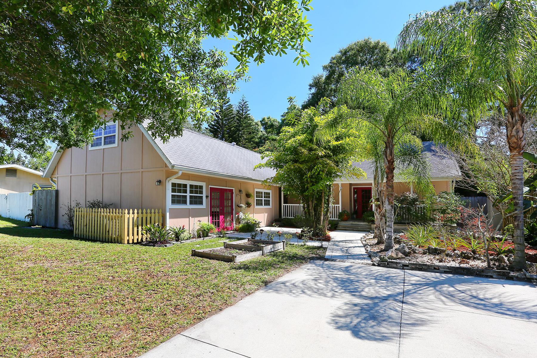 Nhà ở một gia đình vì Bán tại SARASOTA SPRINGS 2915 Teal Ave Sarasota, Florida 34232 Hoa Kỳ