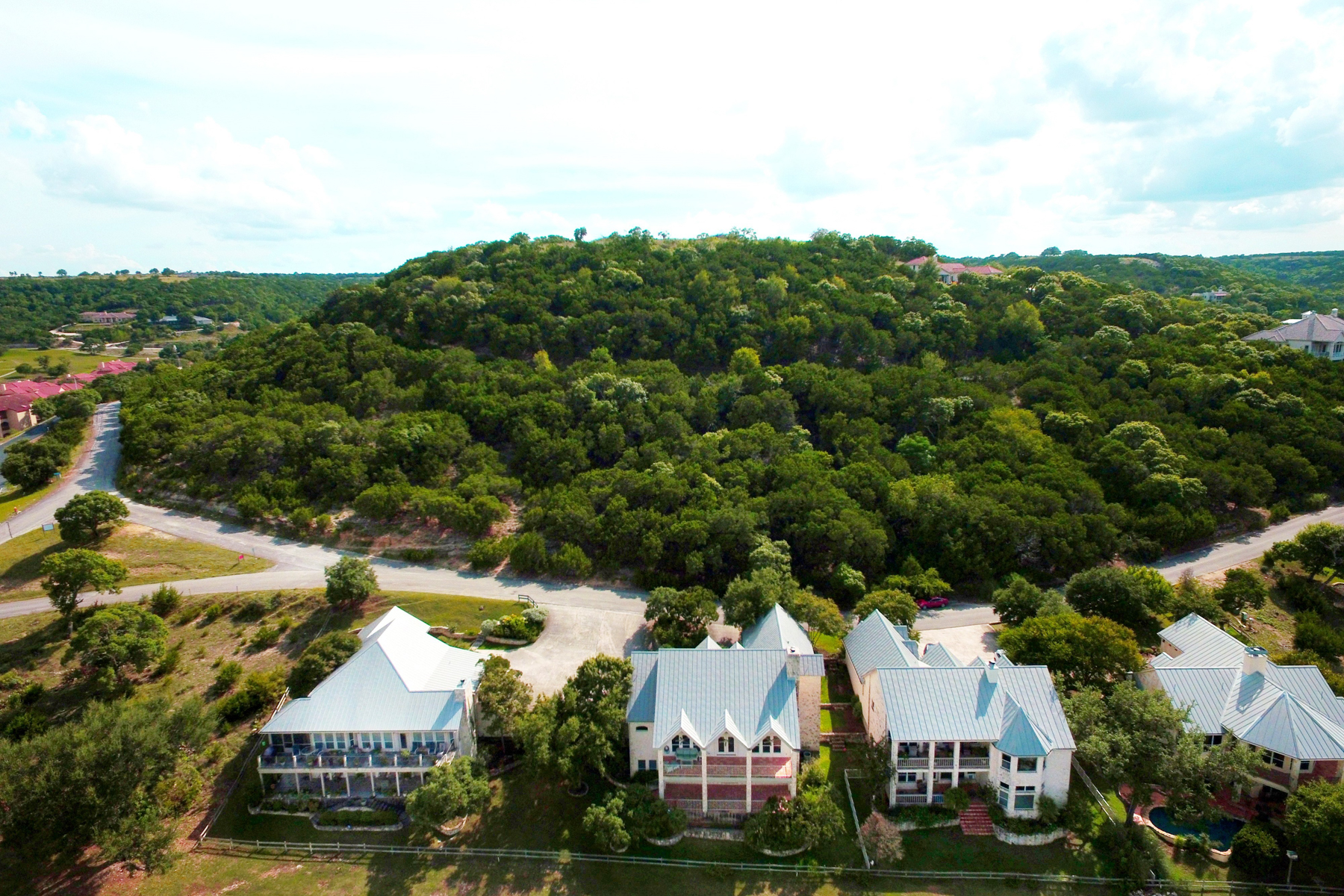 Additional photo for property listing at Stunning Home in Tapatio Springs 104 Tapatio Drive West Boerne, Texas 78006 Estados Unidos