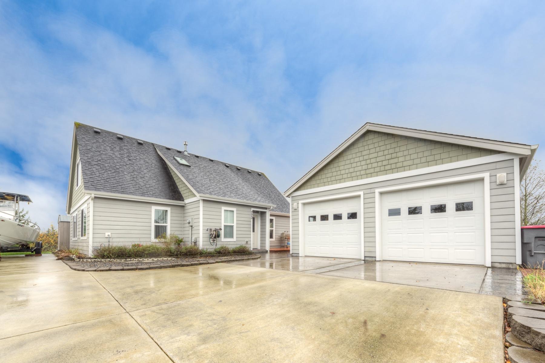 Einfamilienhaus für Verkauf beim 773 SW Juniper AVE, WARRENTON Warrenton, Oregon, 97146 Vereinigte Staaten