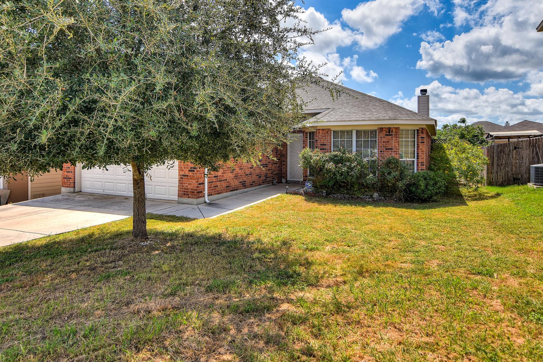 Casa Unifamiliar por un Venta en Cute Gem in Forest Meadows 6106 Pleasant Meadows San Antonio, Texas 78222 Estados Unidos