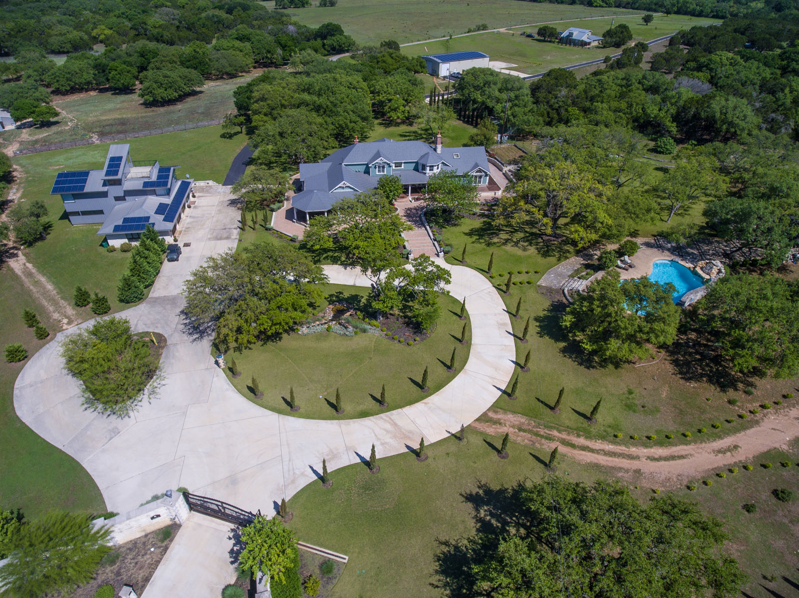 Granjas / Hacienda / Platanción por un Venta en The Texas Hill Country Manor 690 Autumn Ln Dripping Springs, Texas 78620 Estados Unidos