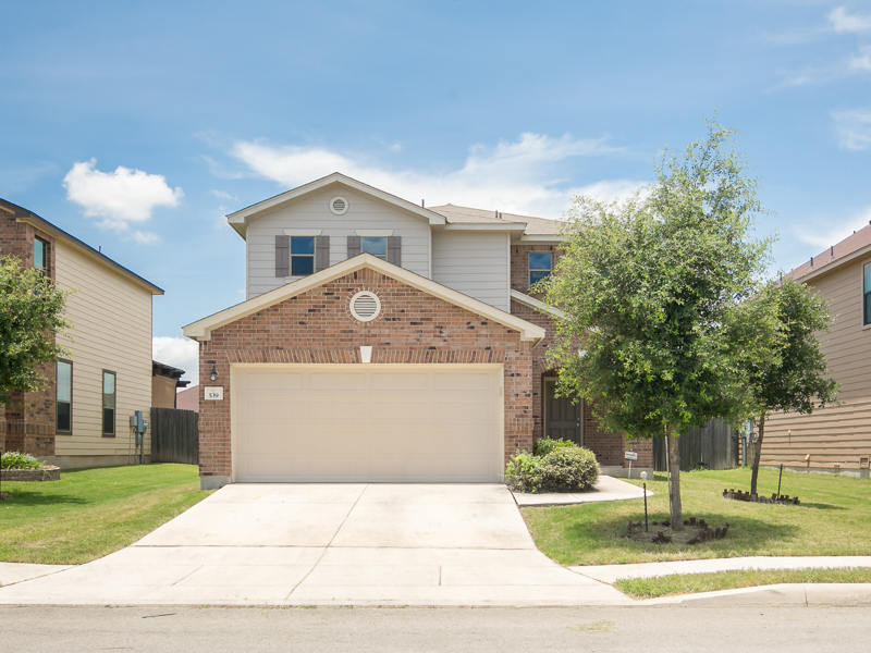 Single Family Home for Sale at Spacious Home in Enclave at Lakeside 539 Sanderling San Antonio, Texas 78245 United States