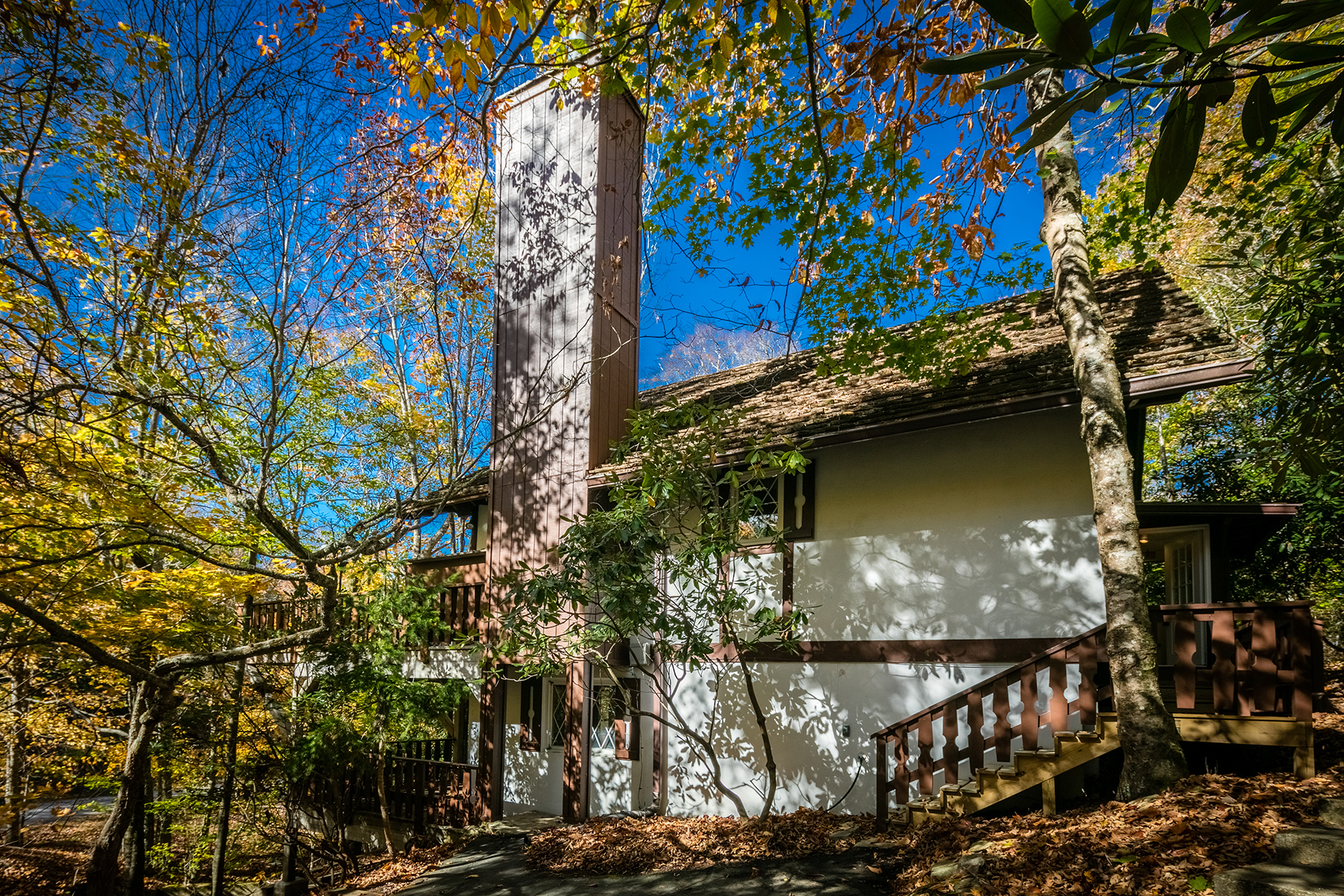 Single Family Home for Sale at BEECH MOUNTAIN - CHARTER HILLS 204 Spring Branch Road Beech Mountain, North Carolina, 28604 United States