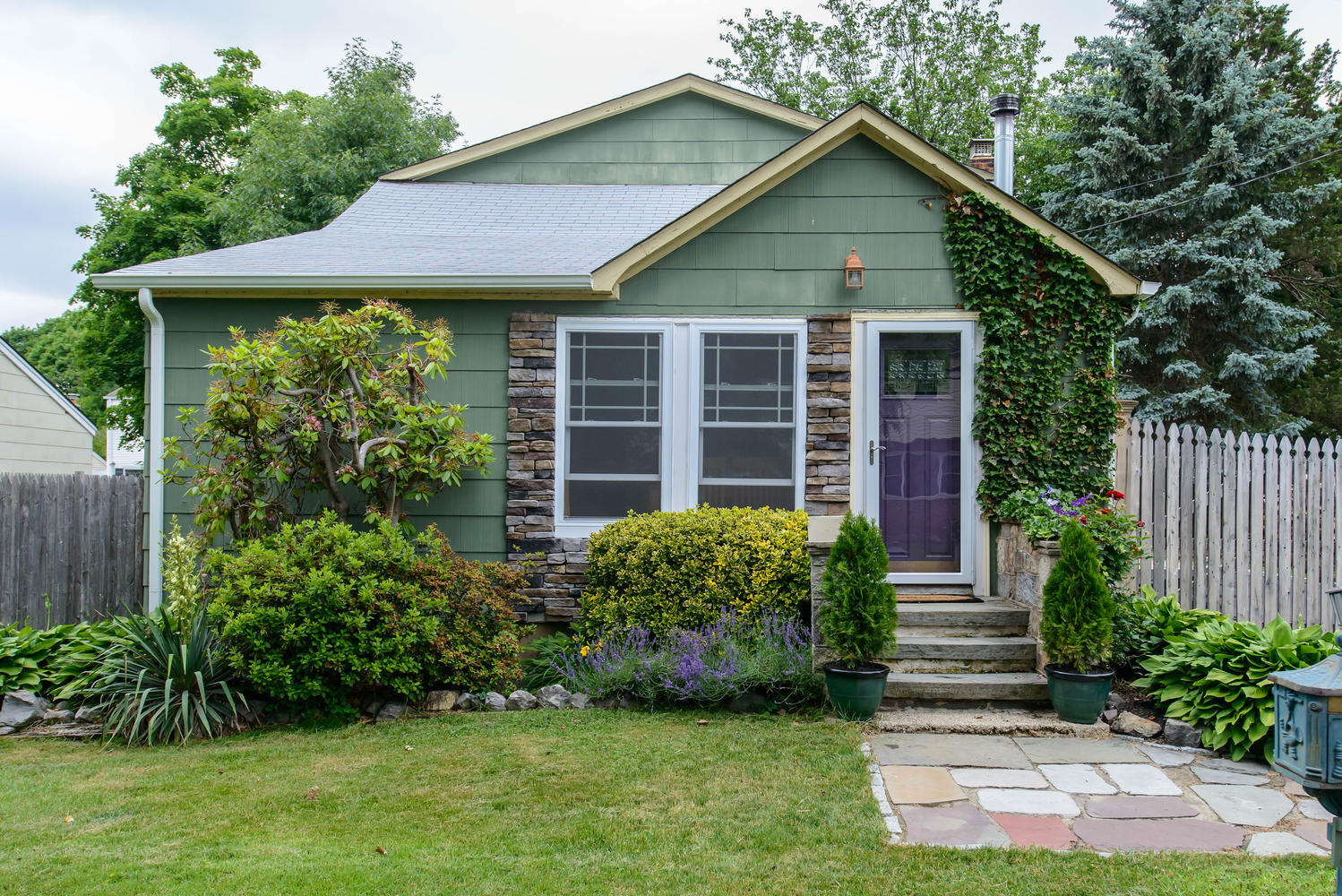 Single Family Home for Sale at Cape 38 Clark St Huntington, New York 11743 United States