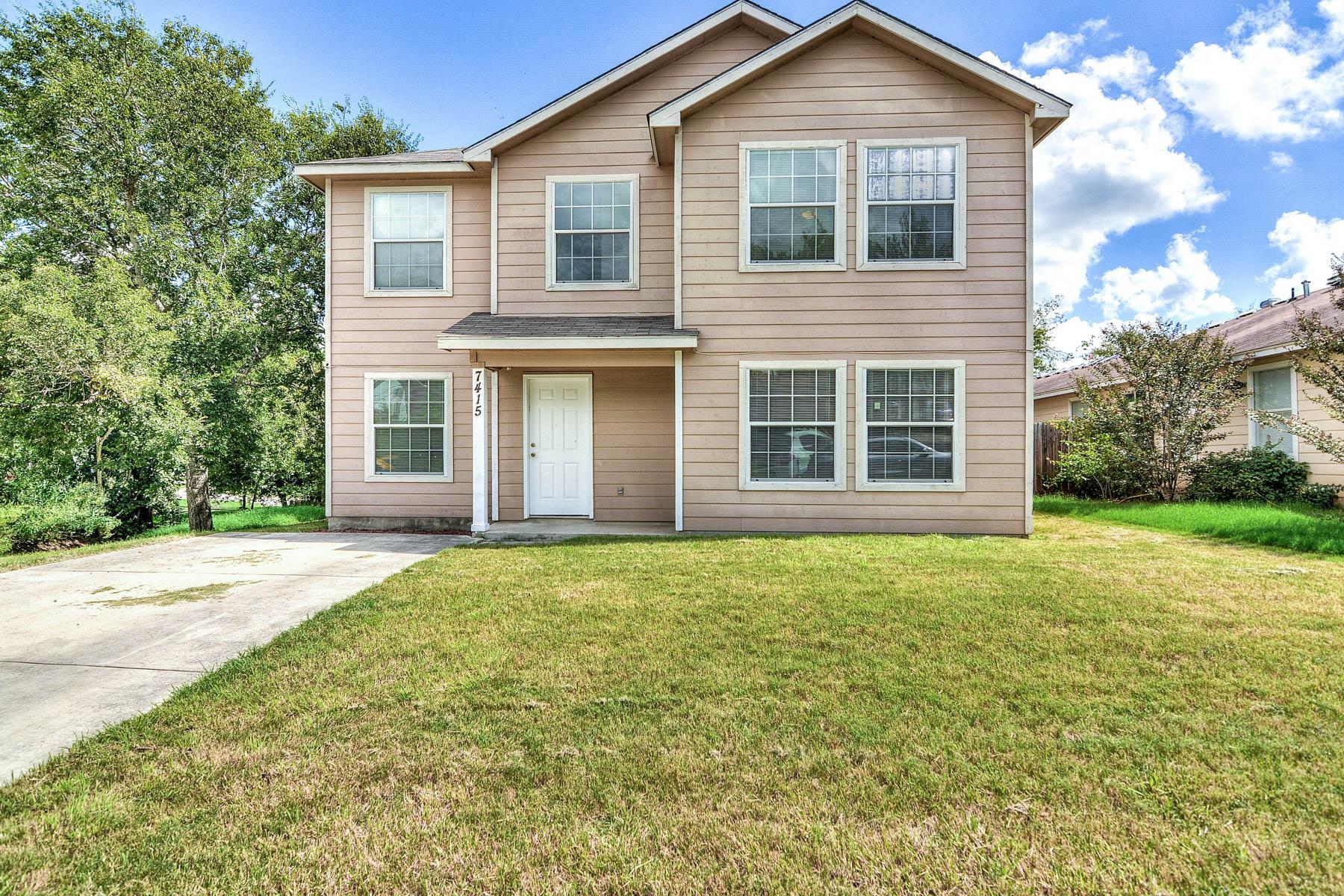Casa Unifamiliar por un Venta en Wonderful Family Home in Converse 7415 Coers Blvd Converse, Texas 78109 Estados Unidos