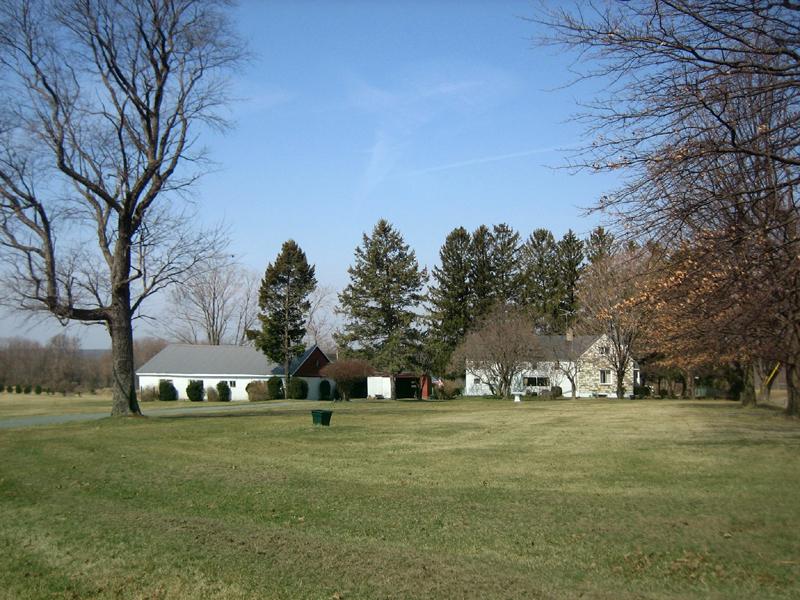 Maison unifamiliale pour l Vente à Great Opportunity - Hopewell Township 150 Marshall Corner Woodsville Road Pennington, New Jersey, 08534 États-Unis