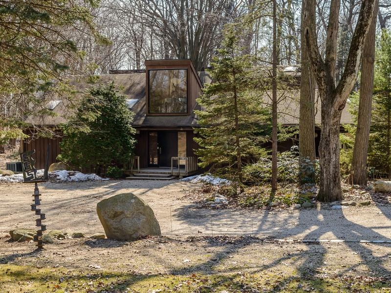 Casa para uma família para Venda às Contemporary 7 Heather Hill Rd Brookville, Nova York 11545 Estados Unidos