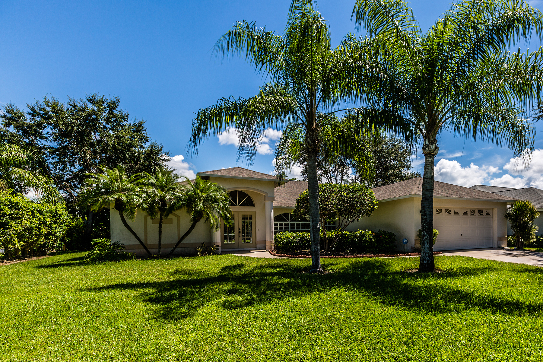 단독 가정 주택 용 매매 에 BOCA PALMS 9932 Boca Cir Naples, 플로리다, 34109 미국