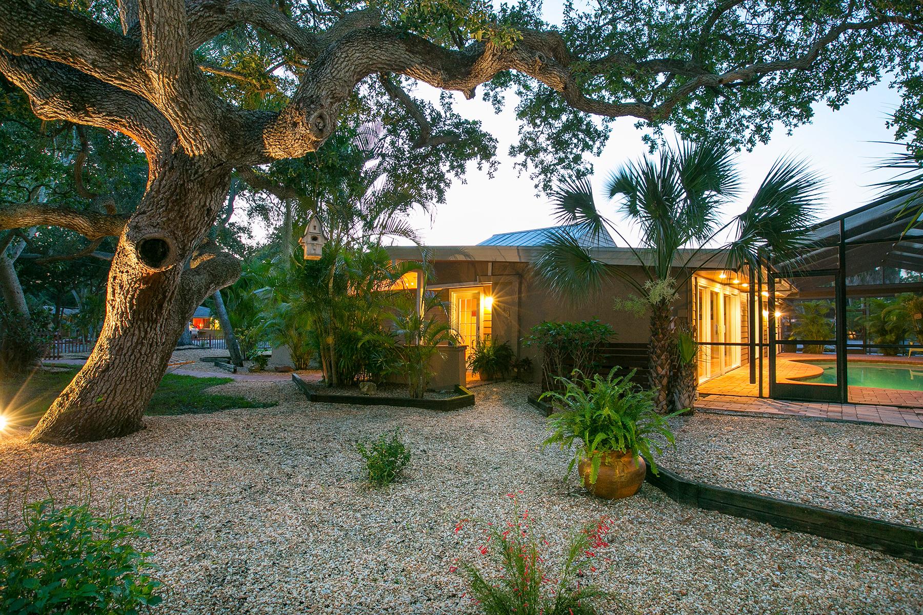 Einfamilienhaus für Verkauf beim SIESTA KEY 505 Givens St Sarasota, Florida 34242 Vereinigte Staaten