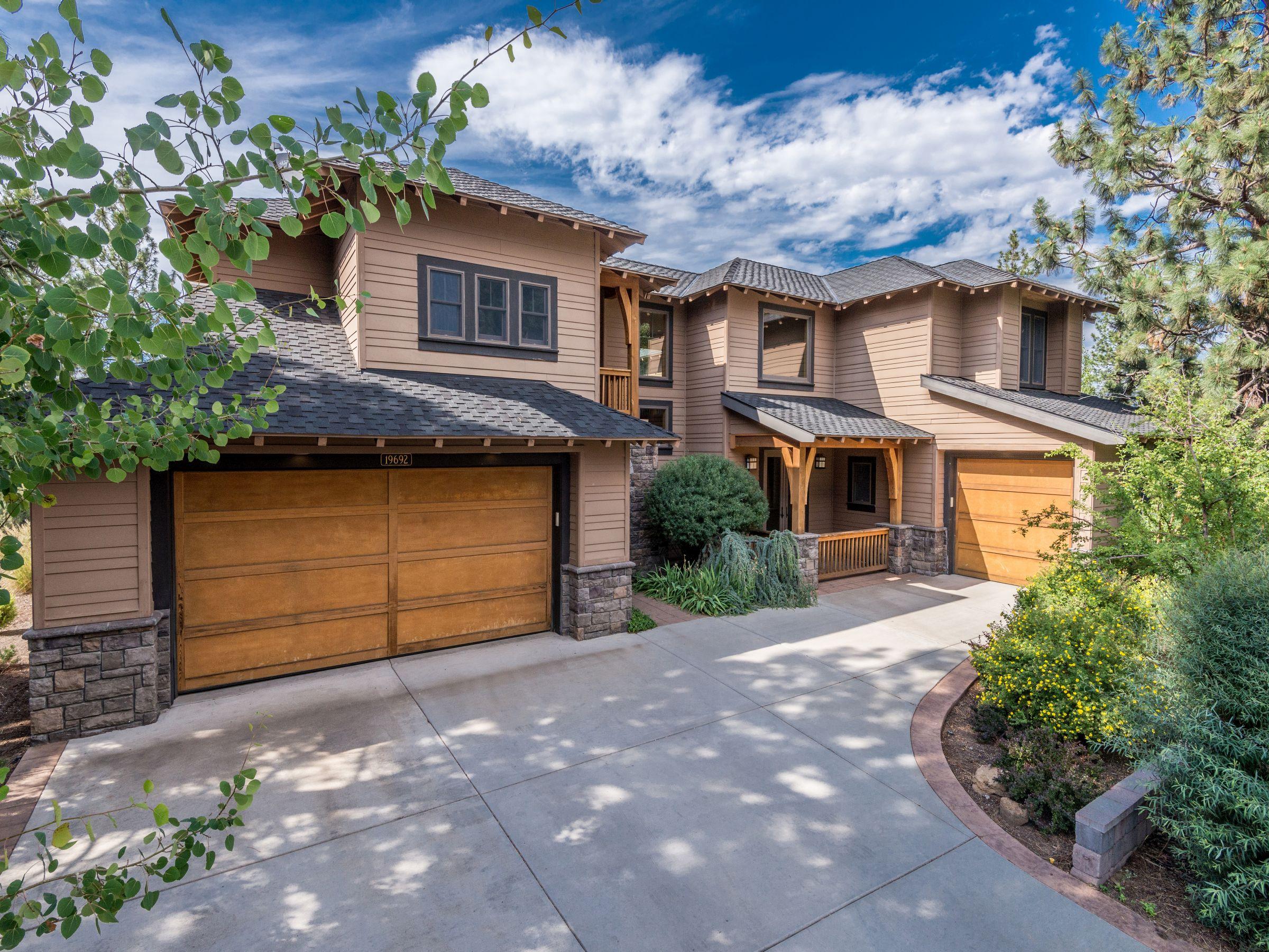 Tek Ailelik Ev için Satış at River Canyon Estates 19692 Hollygrape St Bend, Oregon 97702 Amerika Birleşik Devletleri