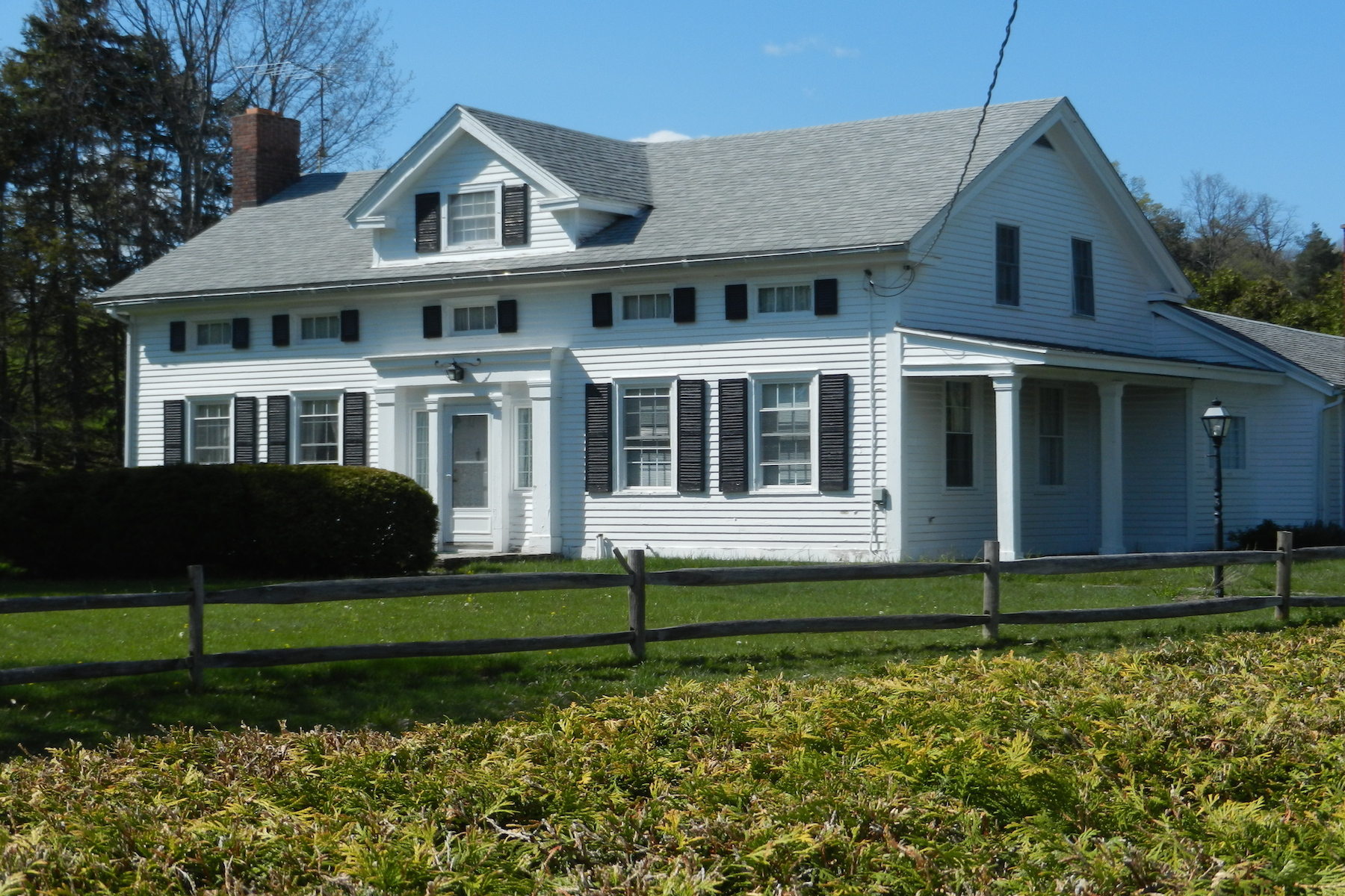 Single Family Home for Sale at Wee Manor 205 Hanley Rd Chatham, New York 12123 United States