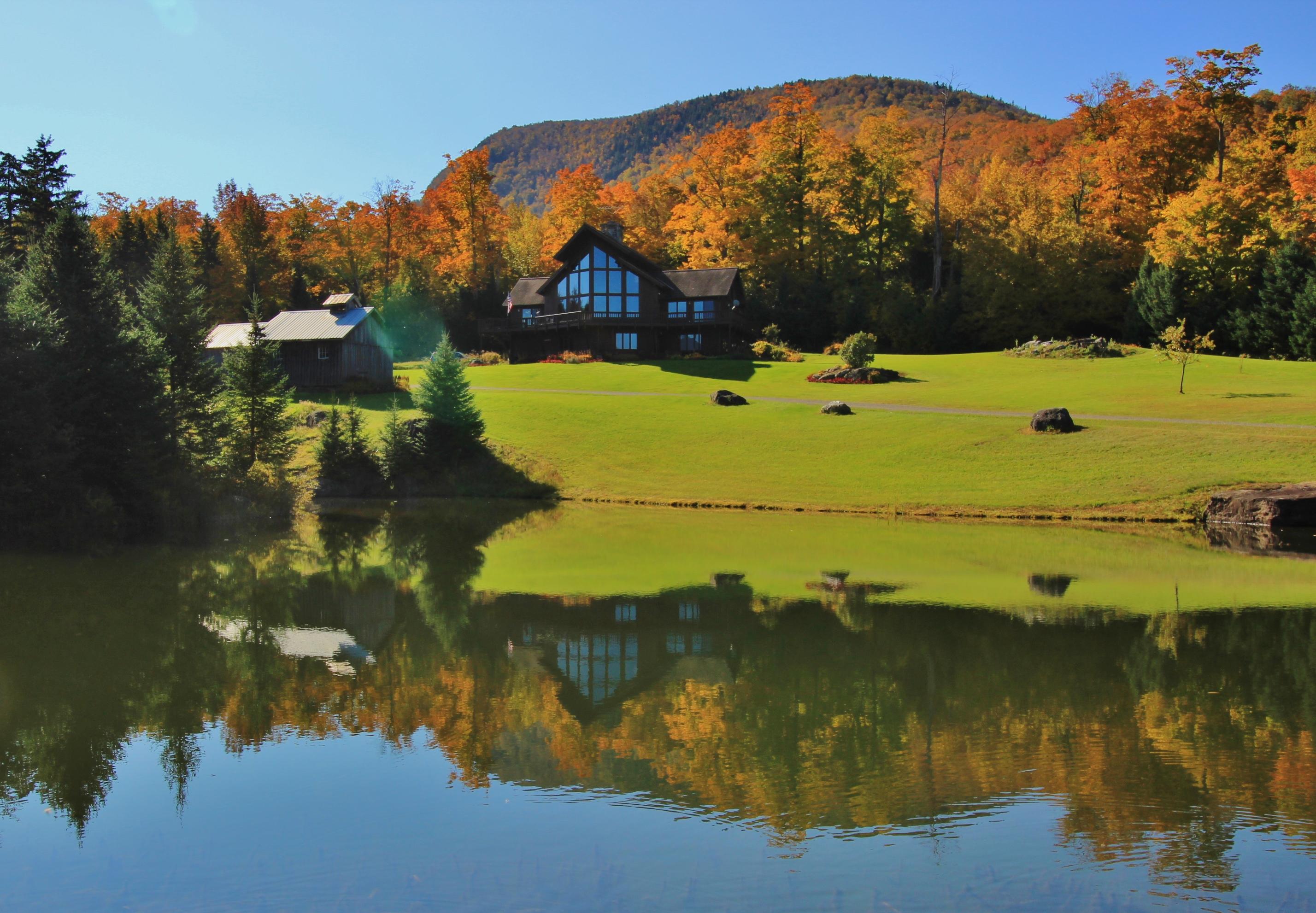 Villa per Vendita alle ore Hazen Notch House 2676 Hazen Notch Rd Montgomery, Vermont, 05471 Stati Uniti