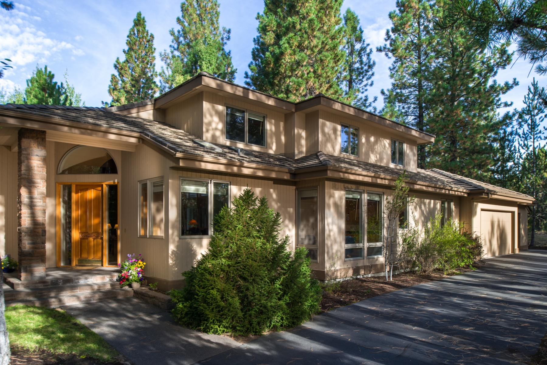 Casa para uma família para Venda às Broken Top 61861 Bunker Hill Ct Bend, Oregon 97702 Estados Unidos