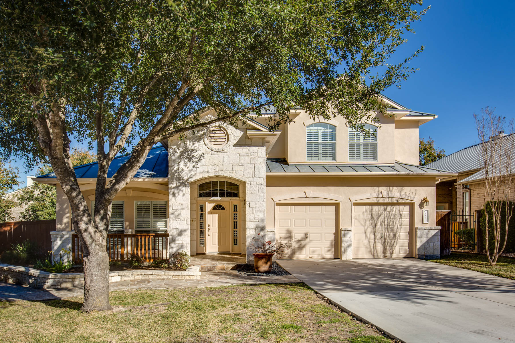 Single Family Home for Sale at Beautiful Home in Oakwell Farms 70 Fonthill Way San Antonio, Texas 78218 United States