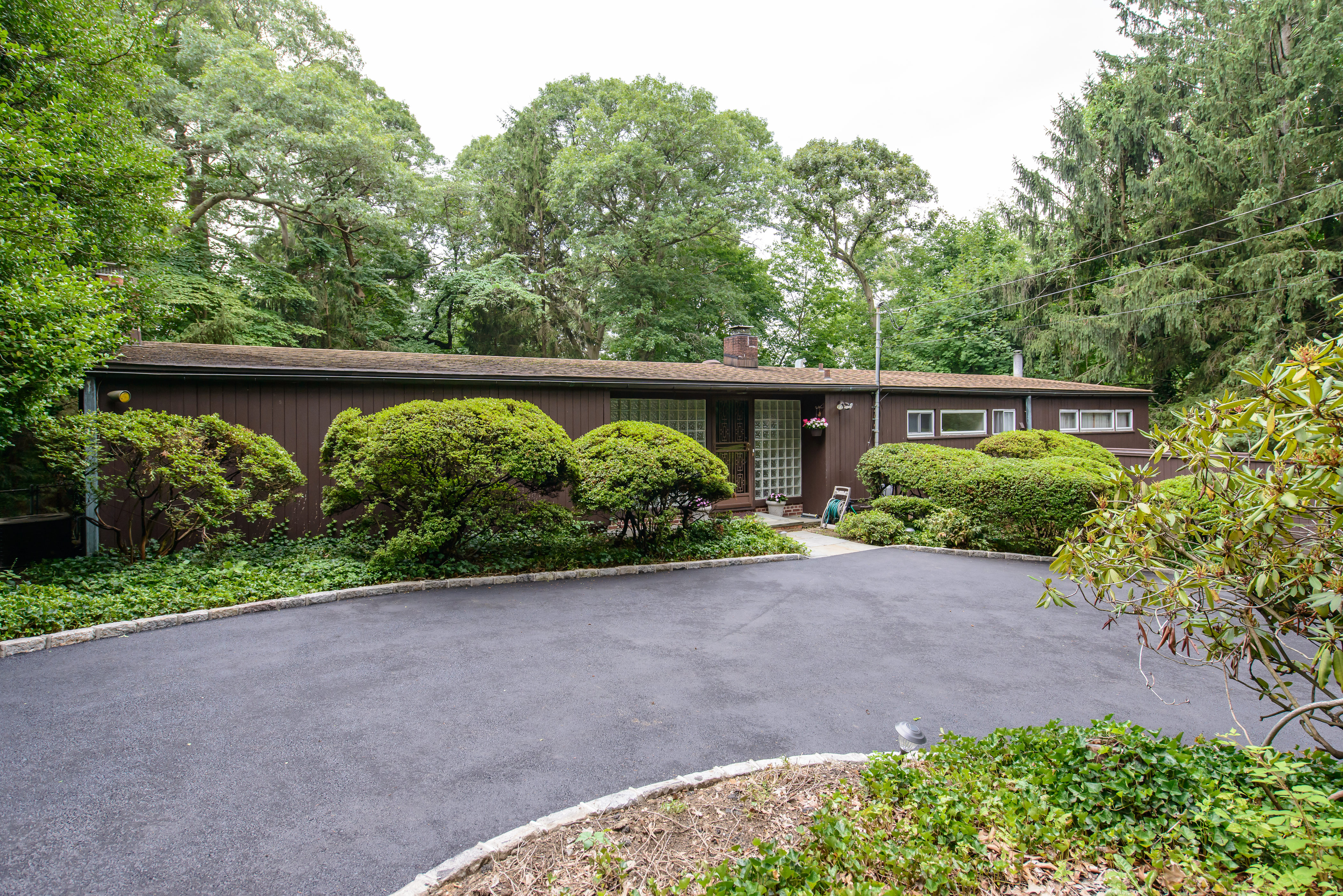 Single Family Home for Sale at Post Modern 20 Pine Rd Syosset, New York, 11791 United States