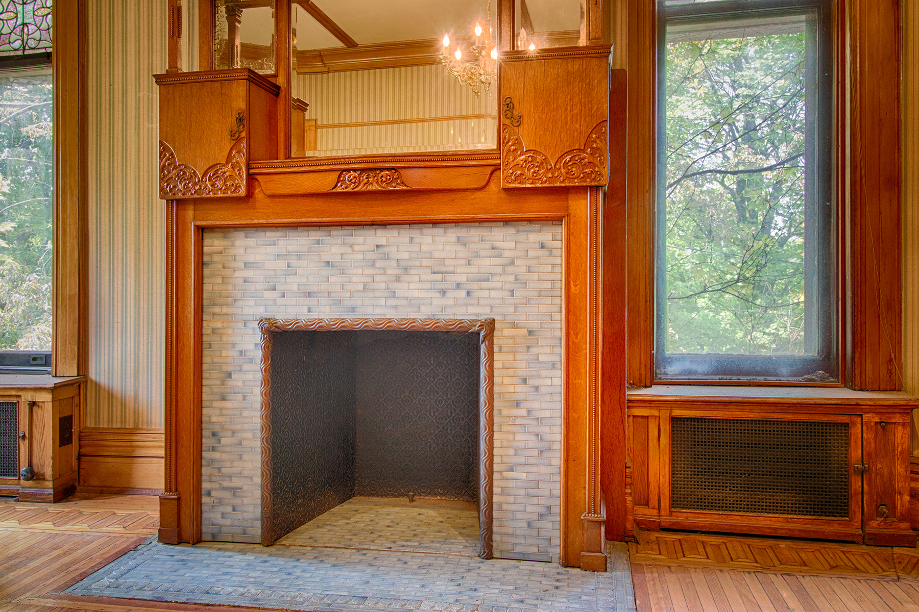 Additional photo for property listing at Finely Built Romanesque Style House 10  Thurlow Ter Albany, Nueva York 12203 Estados Unidos