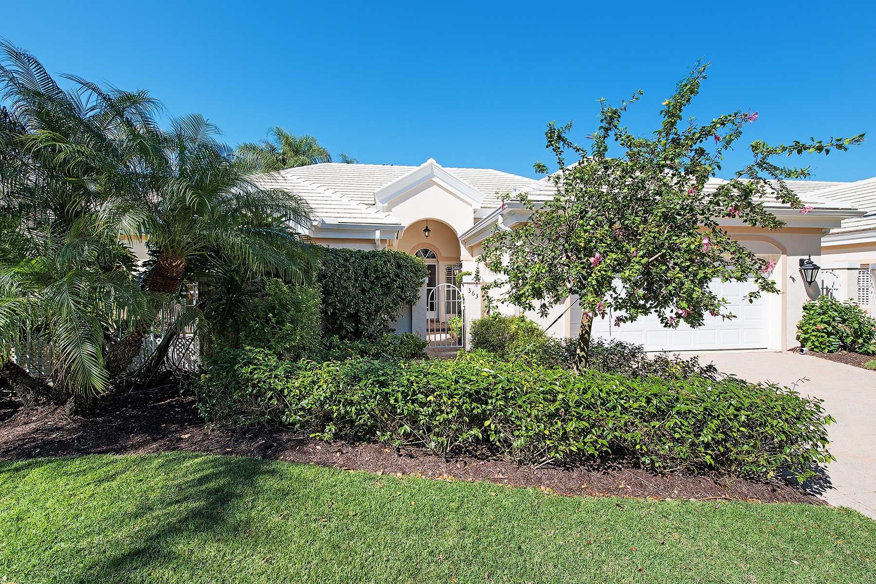 sales property at PELICAN BAY - CARLTON PLACE
