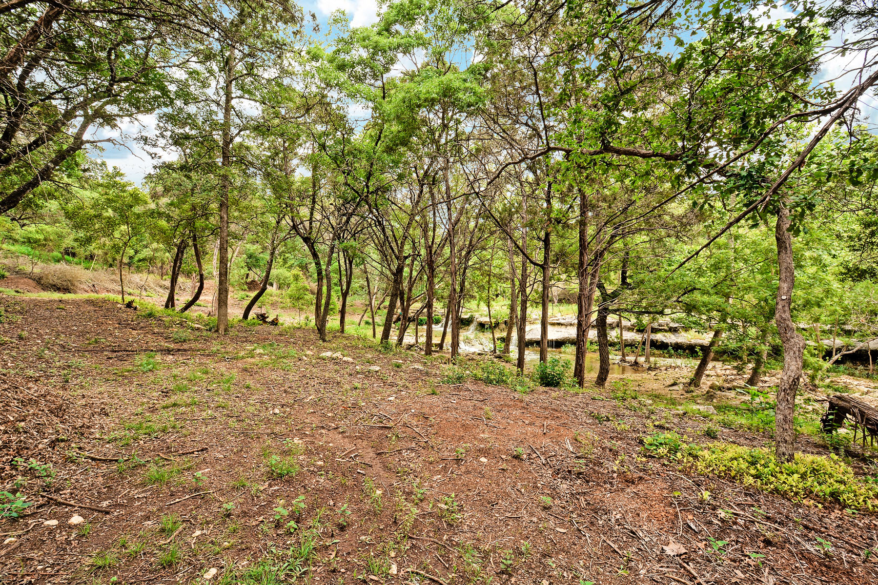 Additional photo for property listing at Waterfalls with Canyon and Vista Views 960 Roadrunner Rd Austin, Texas 78746 Estados Unidos